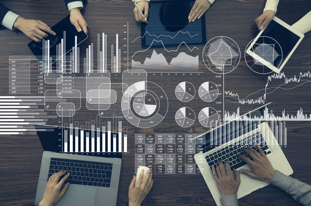 日本企業における情報マネジメントの重要性。経営の意思決定を支えるCAO/CDOの役割とは?